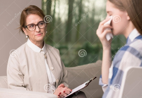Terapeuta julgando Rebeca